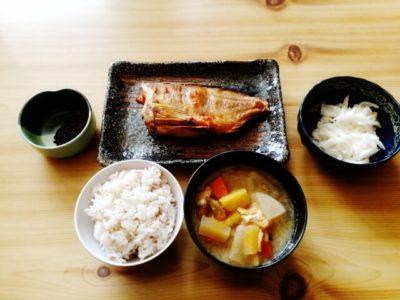 news every.memo 特集「ご飯が進むランチ『四ツ谷 魚一商店』魚料理&自家製ふりかけ!人気の魚ランチ」